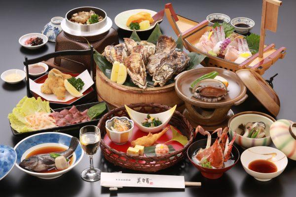 カキを中心にアワビ・渡り蟹・牛肉などいろいろ楽しめるプラン!さらに今シーズンは◎◎焼きがき食べ放題!◎下記料金はGoTo割引後のベストレートです。